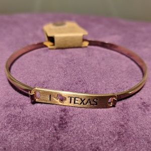 I love texas gold colored bracelet